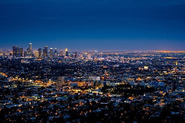 How can you find a job in Los Angeles with a visa ?